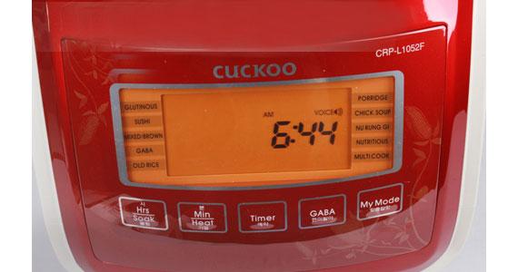 Trang bị màn hiển thị nồi cơm điện Cuckoo CRP-L1052F LCD hiện đại