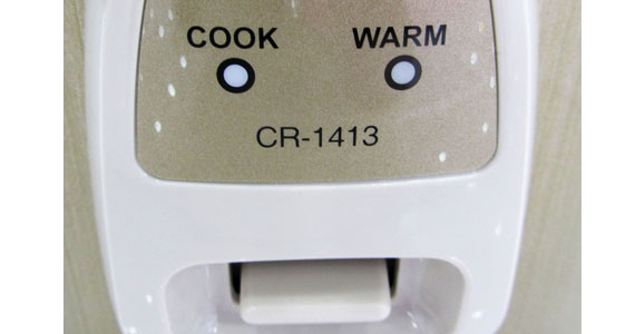 Nồi cơm điện Cuckoo CR-1413 nút điều chỉnh bằng cơ dễ sử dụng