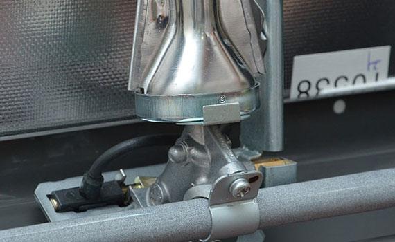 Bếp gas Rinnai RV-7Double Glass (L) có hệ thống đánh lửa cơ Magneto