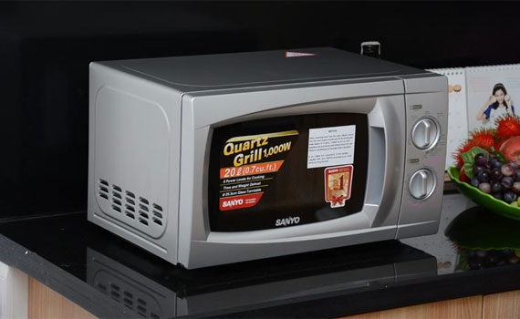 Lò vi sóng Sanyo EM-G2088V(VE3) tiết kiệm điện năng hiệu quả