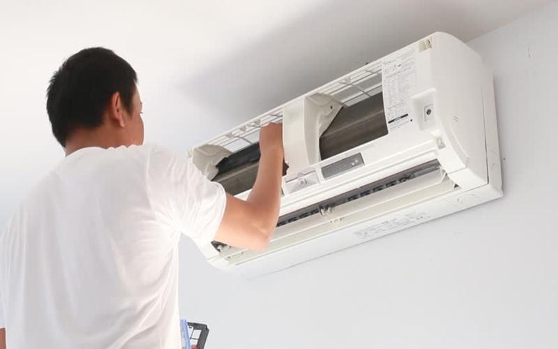Máy điều hòa nhà bạn cần được thường xuyên vệ sinh để hoạt động tốt hơn