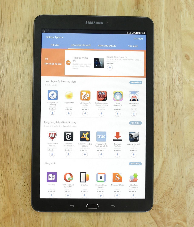Galaxy Tab E tích hợp khe cắm sim 3G cho khả năng kết nối internet tốc độ cao ở bất cứ nơi đâu
