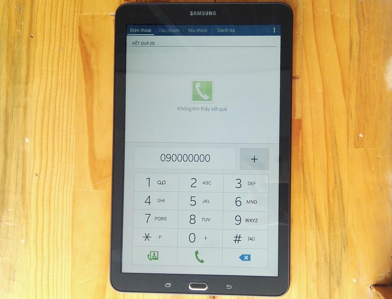 Galaxy Tab E tích hợp khe cắm SIM