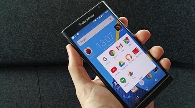BlackBerry dừng sản xuất điện thoại