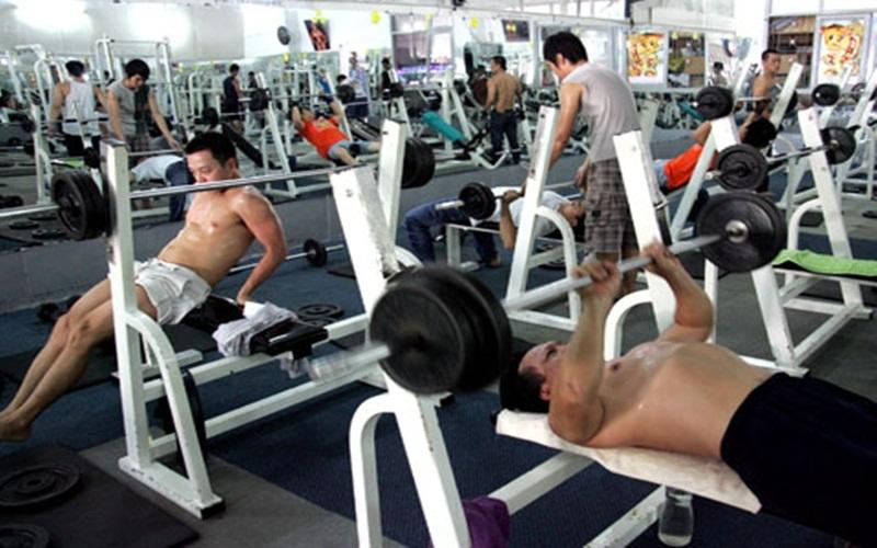 Tập Gym trong phòng lạnh quá đông người sẽ không tốt