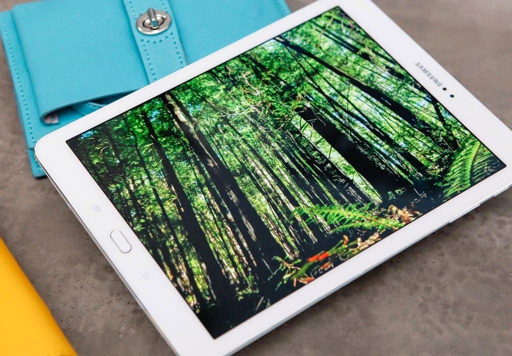 Máy tính bảng Samsung Galaxy Tab S2 thiết kế hiện đại, gọn nhẹ