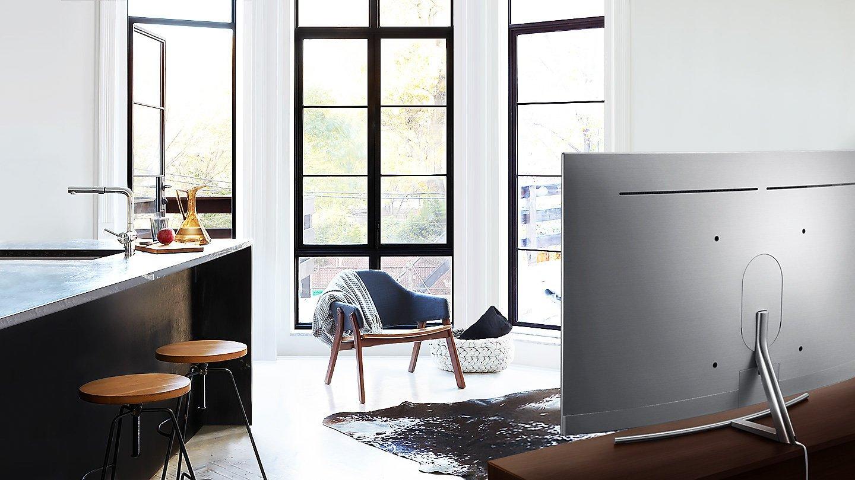 Tivi QLED là sự lựa chọn hoàn hảo cho căn phòng khách nhà bạn