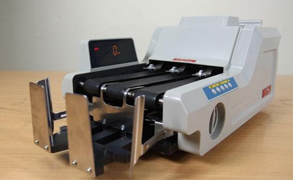 Máy đếm tiền Silicon MC-8800 trang bị tính năng tự động đếm và dừng