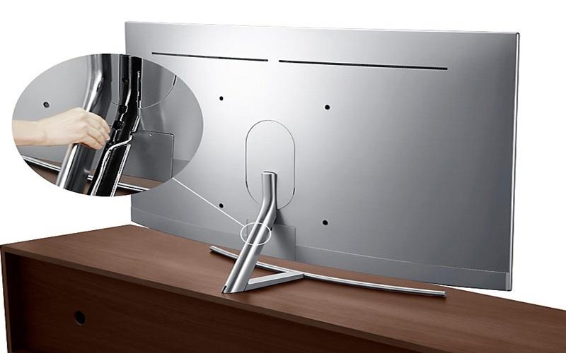 Chân đế tivi được thiết kế luồn dây cáp bên trong