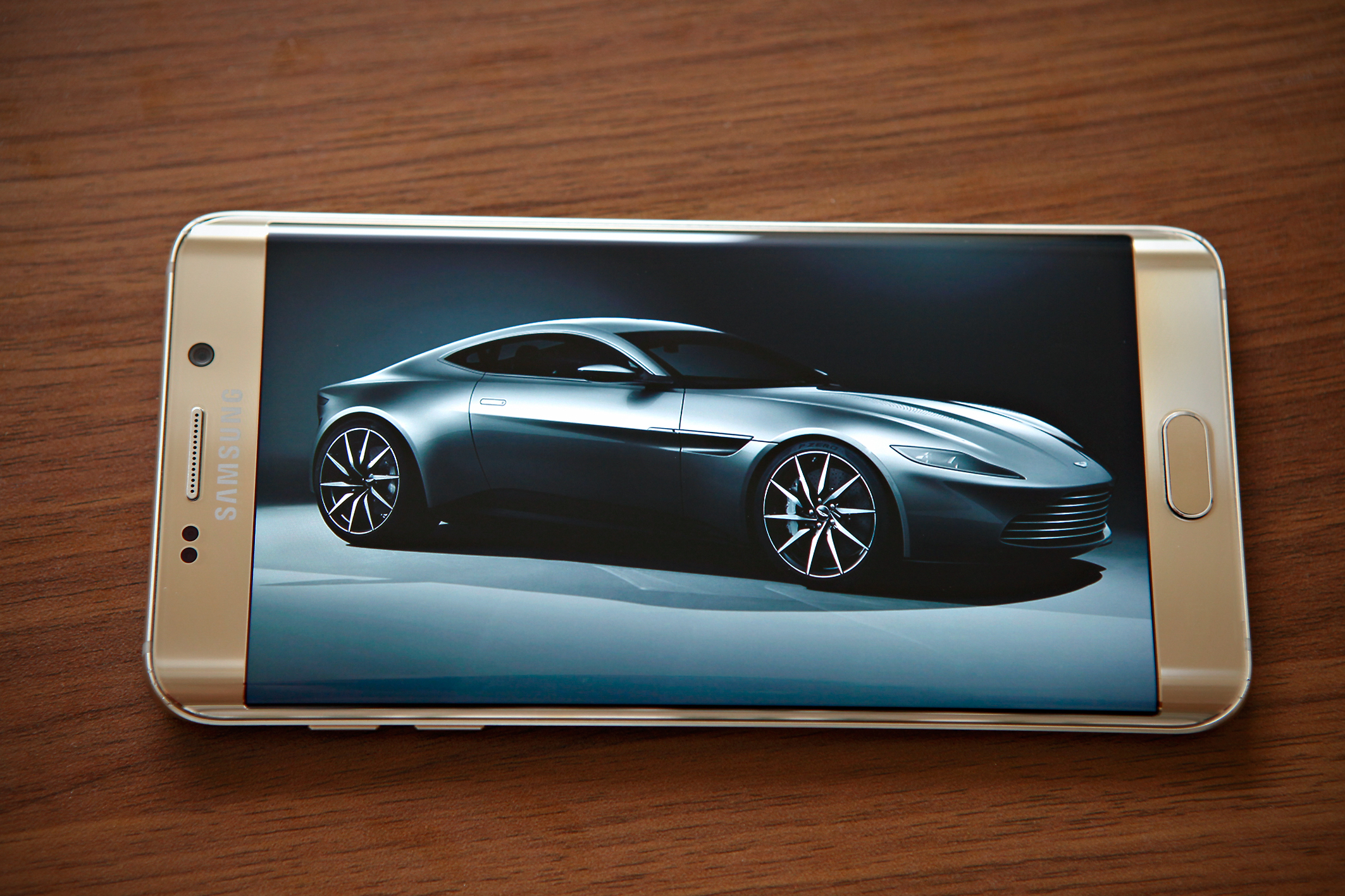 Diện mạo Galaxy S6 Edge Plus và Note 5 đẹp tuyệt đối