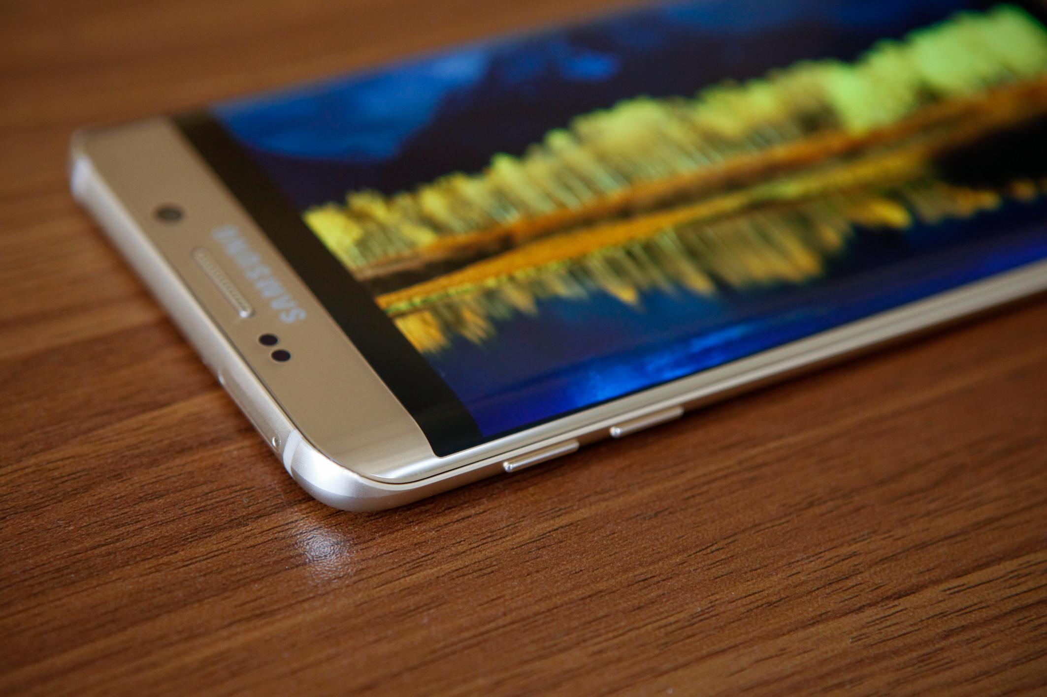 Diện mạo Galaxy S6 Edge Plus và Note 5 đẹp ngỡ ngàng