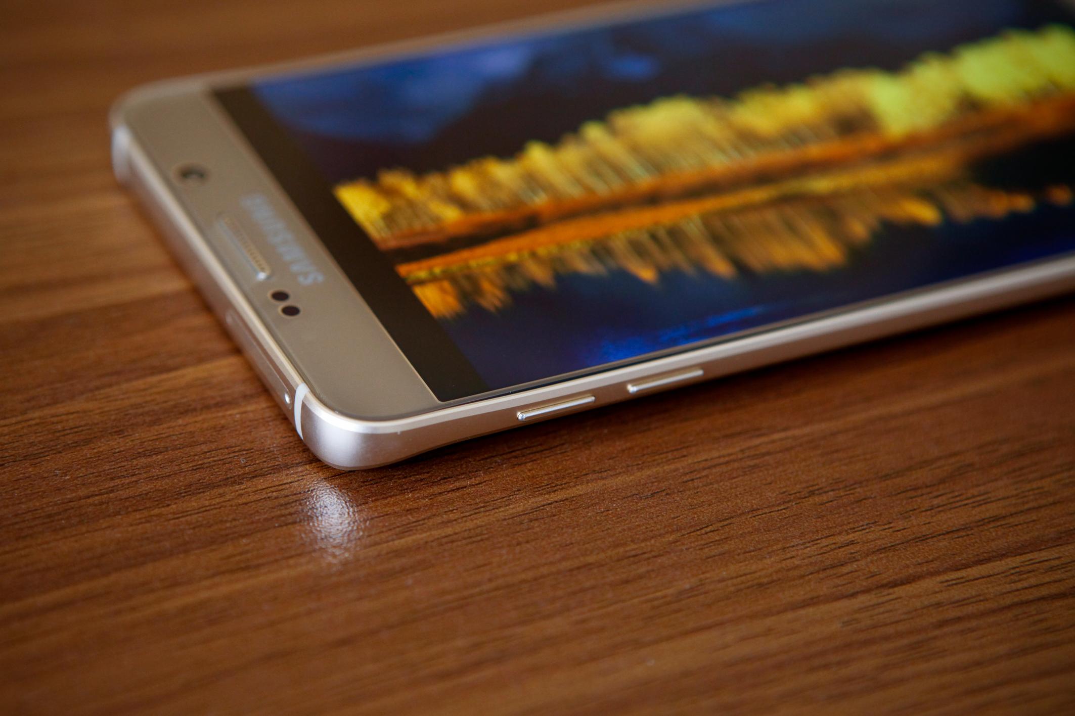 Diện mạo Galaxy S6 Edge Plus và Note 5 tinh xảo