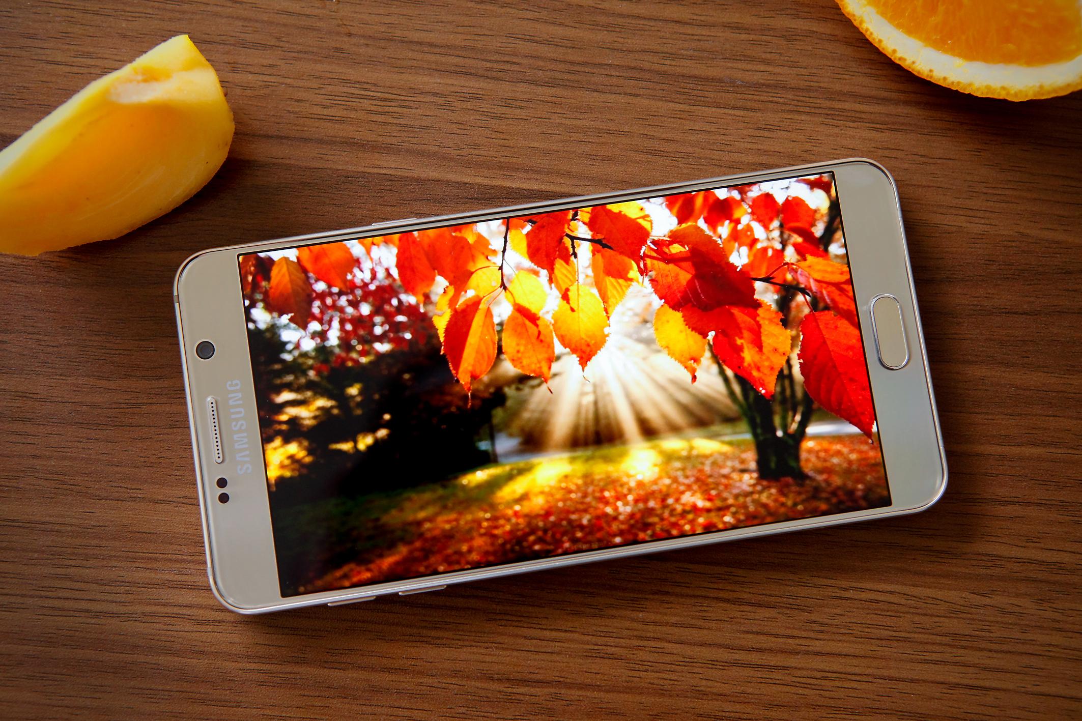 Diện mạo Galaxy S6 Edge Plus và Note 5 chắc chắn, ấn tượng