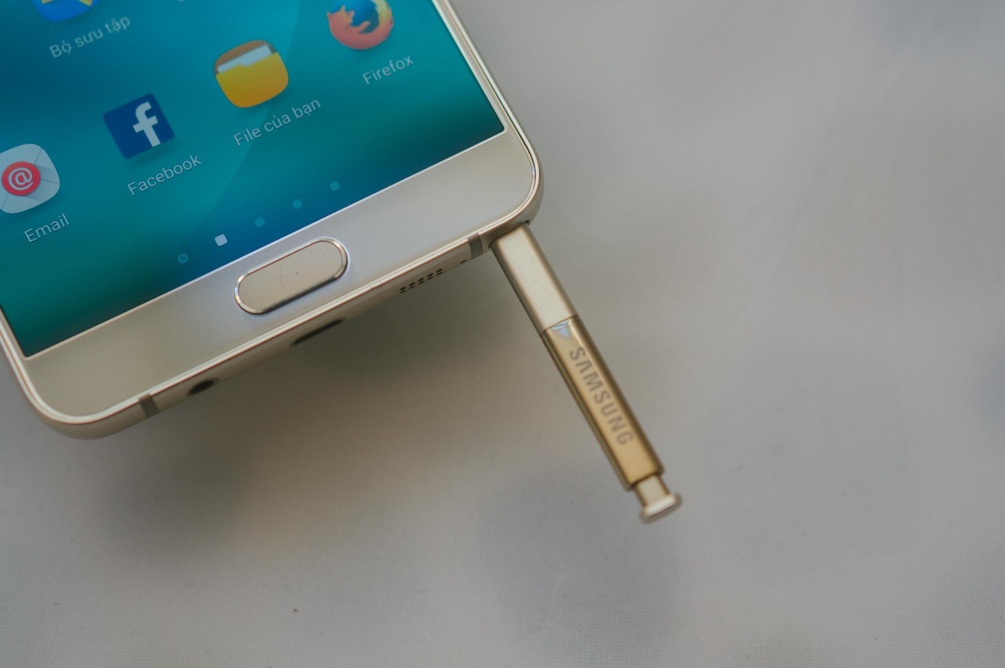 Samsung Galaxy Note 5 chuyên nghiệp trong từng góc cạnh