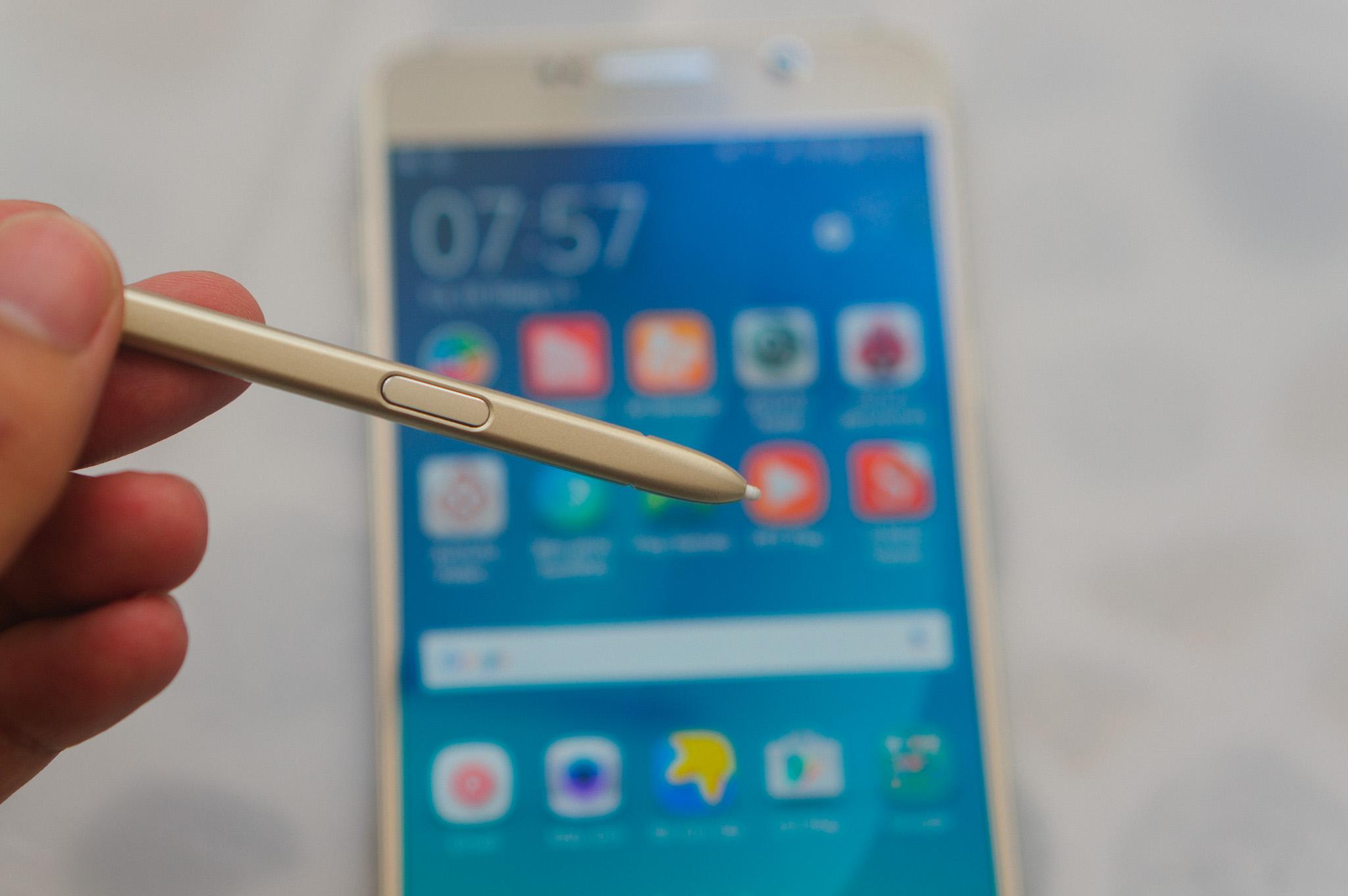 Samsung Galaxy Note 5 hiện đại nhiều tính năng