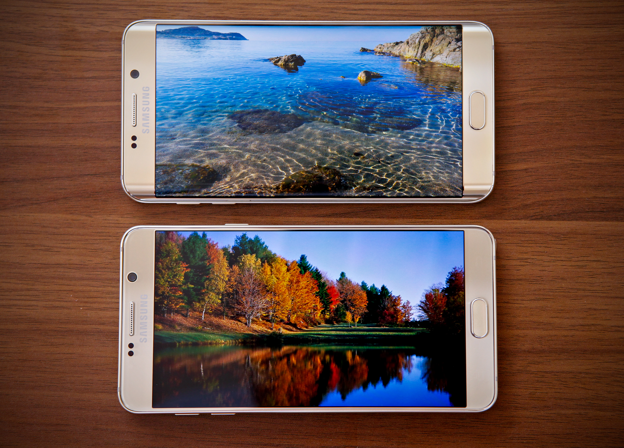 Diện mạo Galaxy S6 Edge Plus và Note 5 đẳng cấp trong từng chi tiết