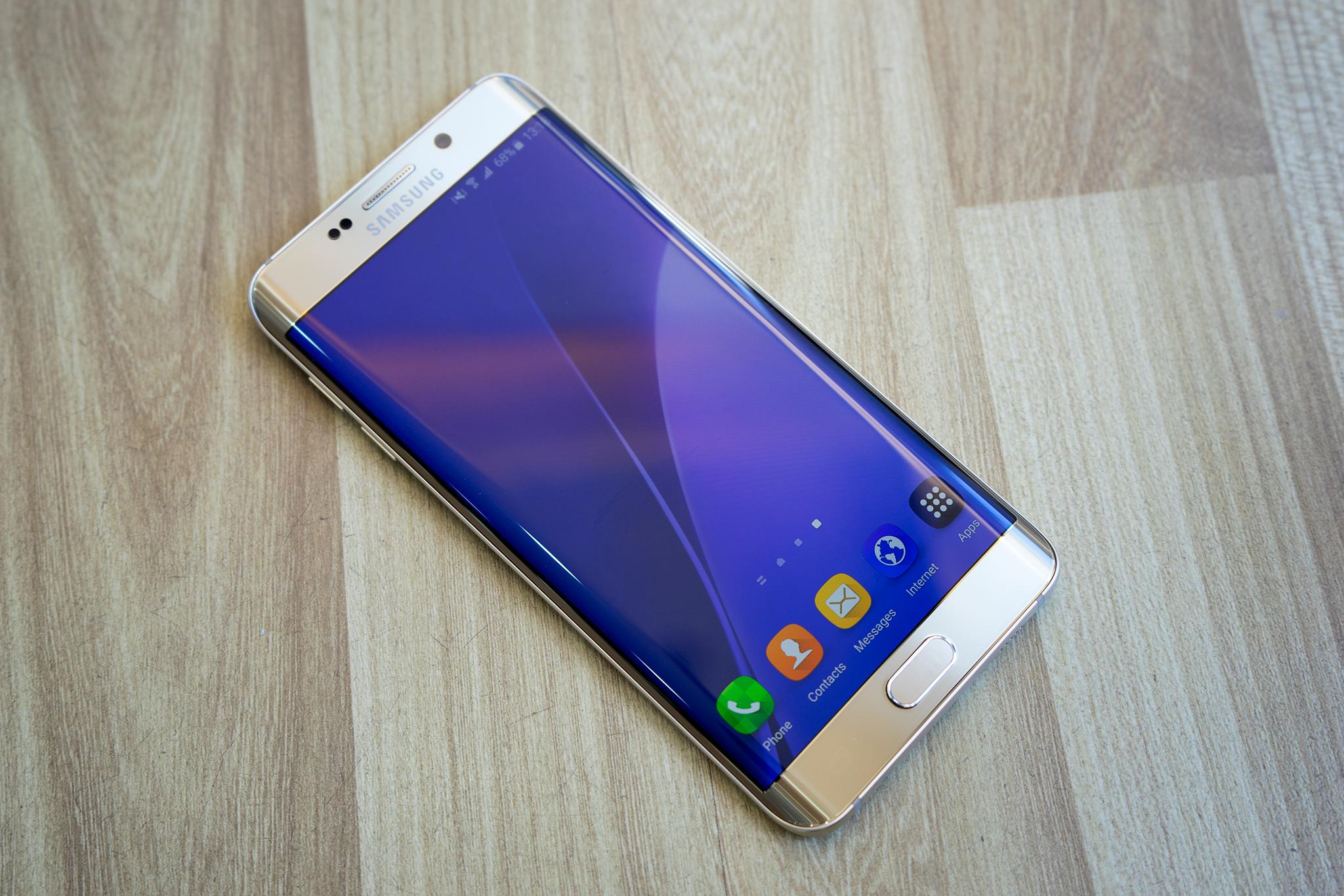 Samsung Galaxy S6 Edge Plus trên tay bạn