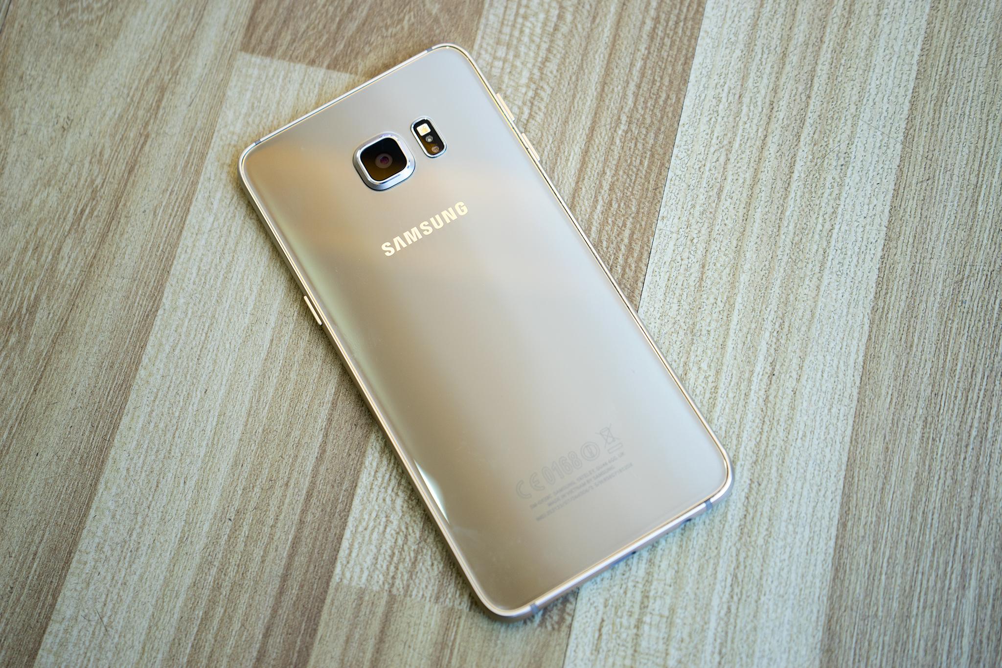 Samsung Galaxy S6 Edge Plus đẹp bề ngoài mạnh bên trong