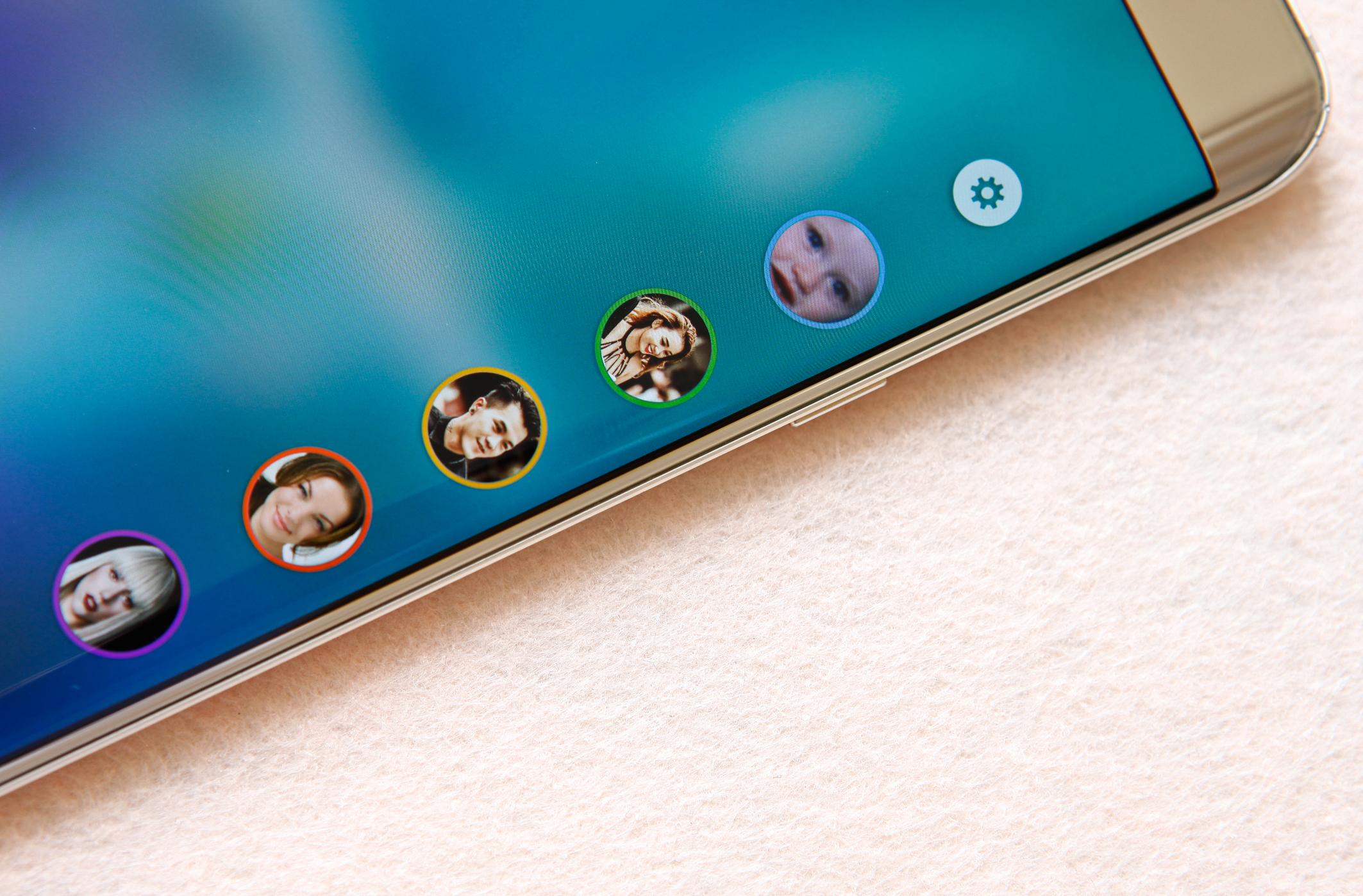 Samsung Galaxy S6 Edge Plus màn hình ấn tượng