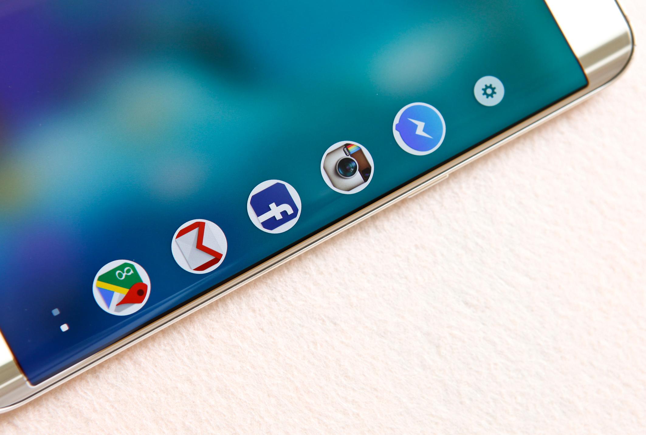 Samsung Galaxy S6 Edge Plus màn hình hiển thị cực đẹp