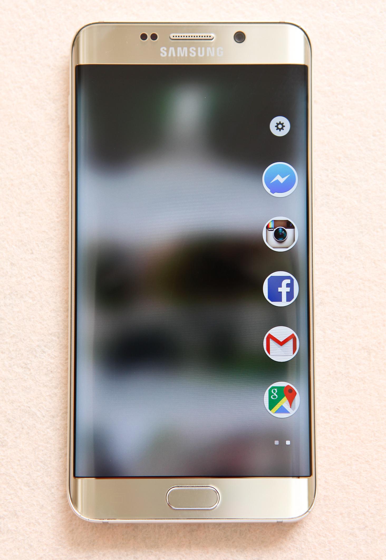 Samsung Galaxy S6 Edge Plus màn hình cong trung thực