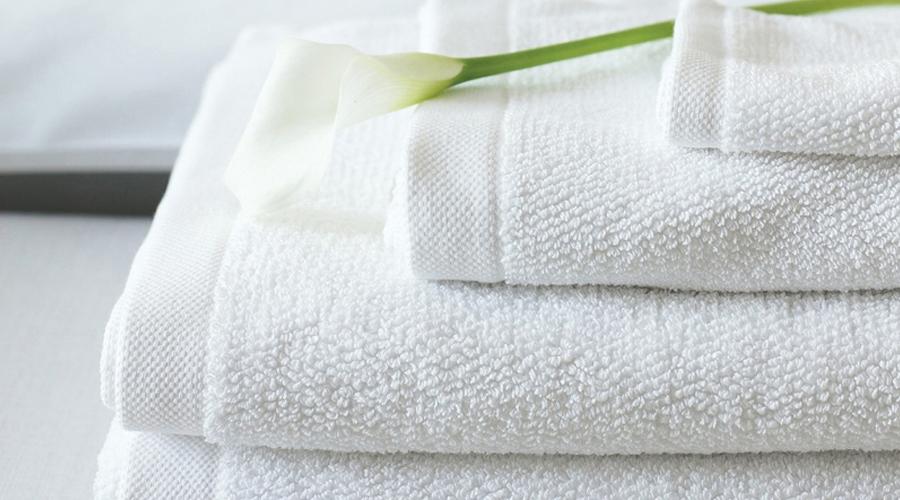Khử mùi tủ lạnh bằng khăn bông nhúng nước