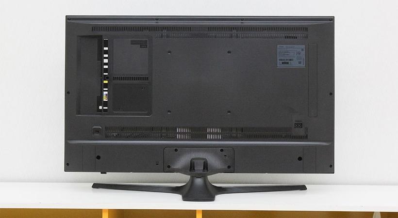 Tivi UHD Samsung UA70KU6000 trang bị kết nối không dây