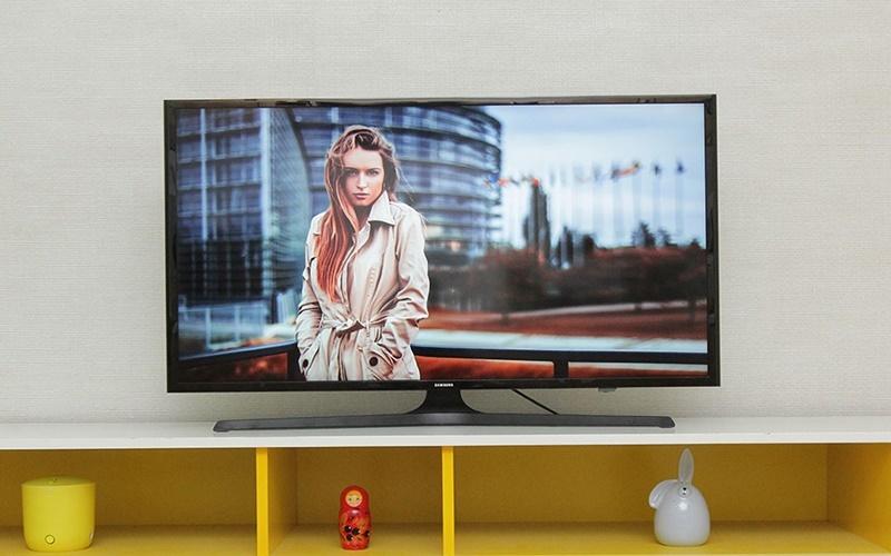 tivi samsung làm nổi bật không gian căn nhà