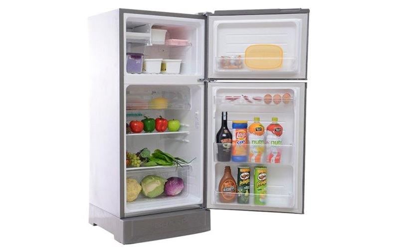 Tha hồ dự trữ đồ ăn với tủ lạnh Sharp 18VF3