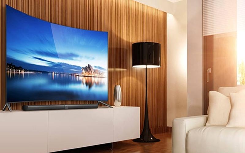 Màn hình tivi bị phản chiếu ánh sáng