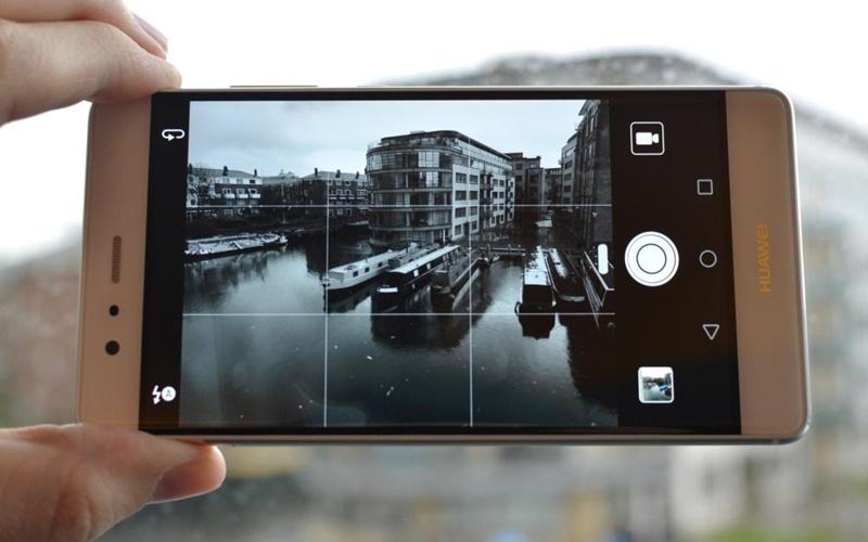 Hai camera làm tăng góc chụp rộng hơn