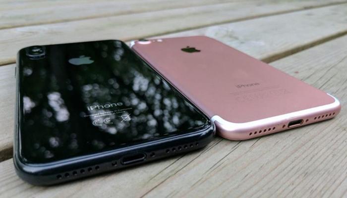 Điện thoại iPhone 8 được tráng kính ở mặt lưng