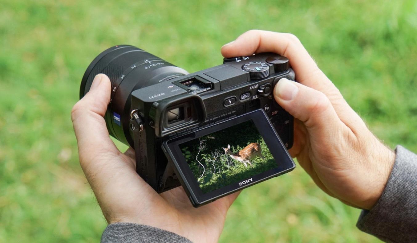 Máy ảnhSony ILCE 6300L hiện đại