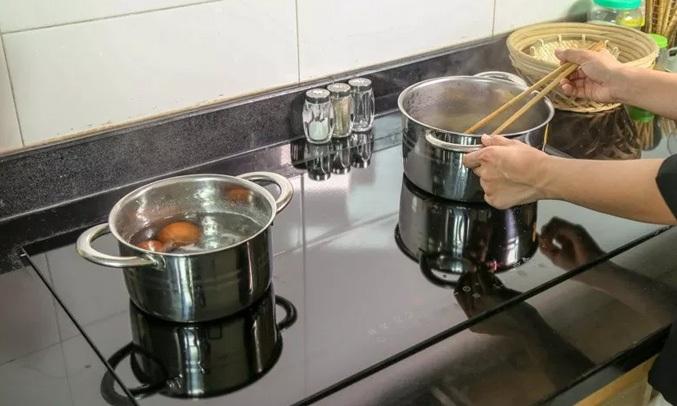 BẾP HỒNG NGOẠI TORINO W1611 - Công suất mạnh mẽ, vào bếp khỏe re