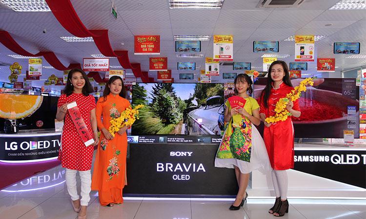 Sau thời gian chụp ảnh, gia đình bạn sẽ còn được trải nghiệm mua sắm tiện lợi với những thiết bị điện tử gia dụng có mặt tại Nguyễn Kim Quang Trung