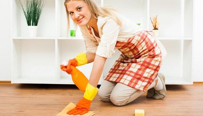 Bột giặt làm sạch sàn gỗ tốt