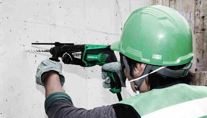 Máy khoan Hitachi DH28PCY hỗ trợ tay cầm thuận tiện