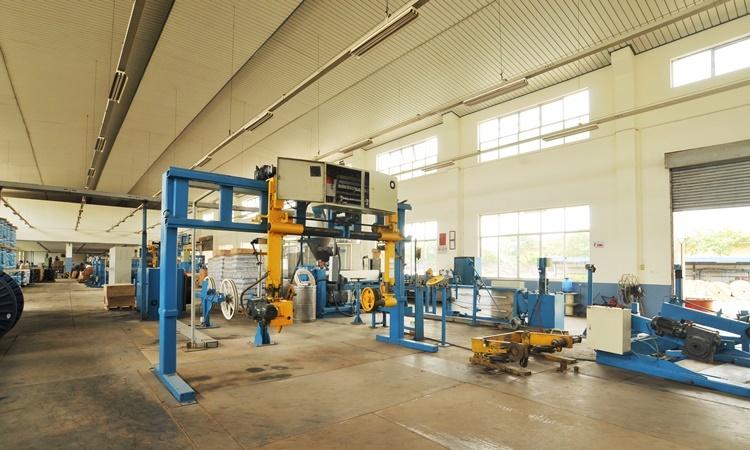 máy phát điện Huyndai DHY600SE-3 đáp ứng nhu cầu cho nhà xưởng