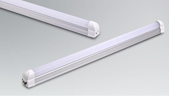 Đèn huỳnh quang đa số chỉ dùng để chiếu sáng không gian lớn, việc sử dụng để làm đèn bàn cũng đã hiếm đi