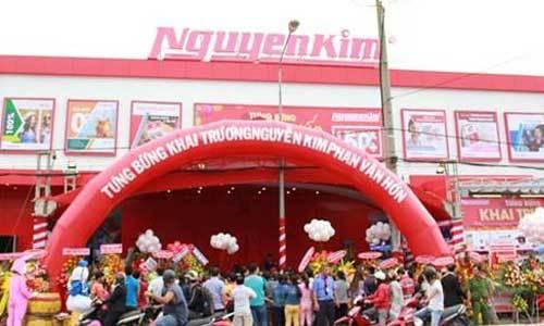 Khai trương trung tâm mua sắm tại Phan Văn Hớn