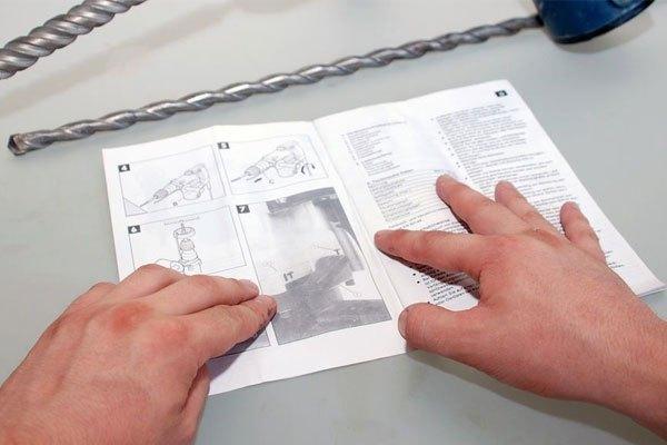 Đọc kỹ hướng dẫn sử dụng máy khoan trước khi dùng nhé!