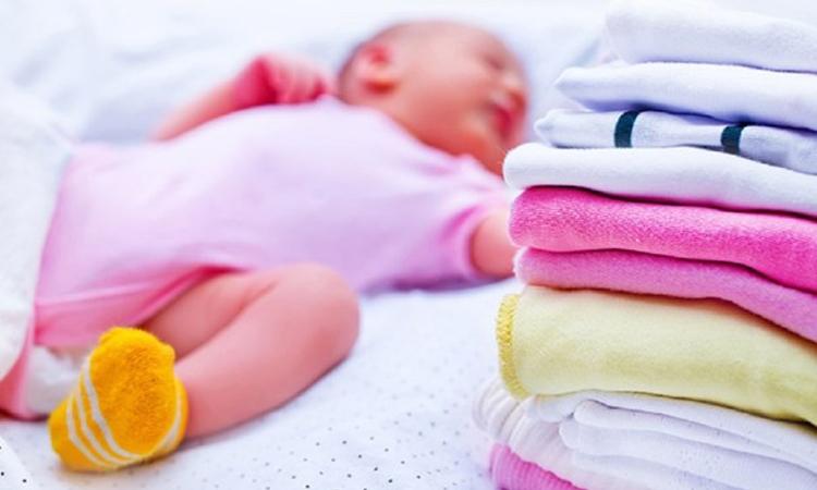 Máy giặt Aqua AQW-FW115AT(S) có khoá an toàn