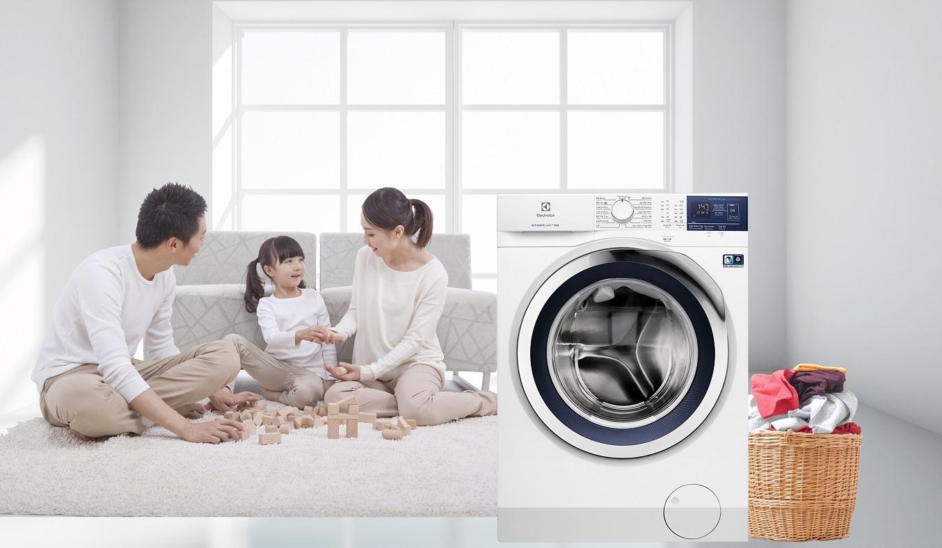 Máy giặt Electrolux Inverter 10 kg EWF1024BDWA - Công nghệ Vapour Care