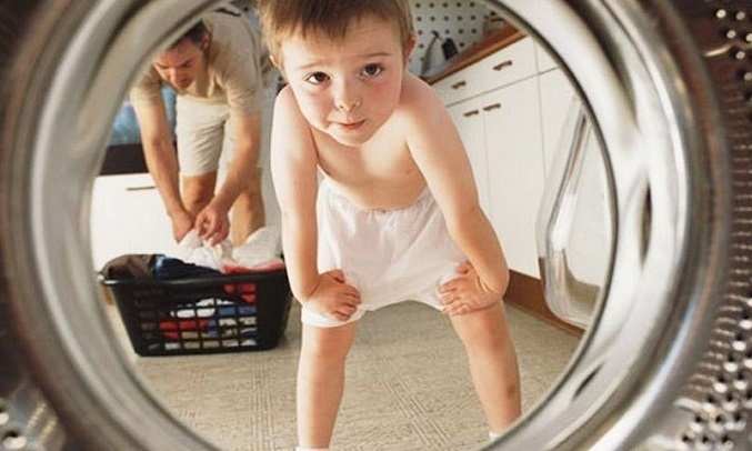 Máy giặt Electrolux Inverter 8 kg EWF8025BQWA - Khóa trẻ em