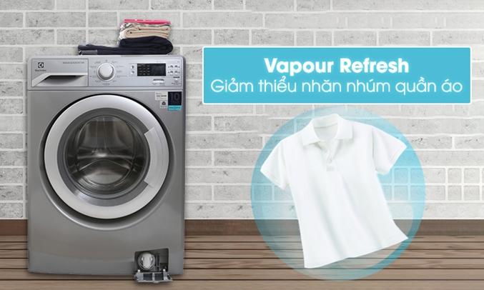 Máy giặt Electrolux EWF12853S chức nÄng Vapour Refresh làm má»i quần áo