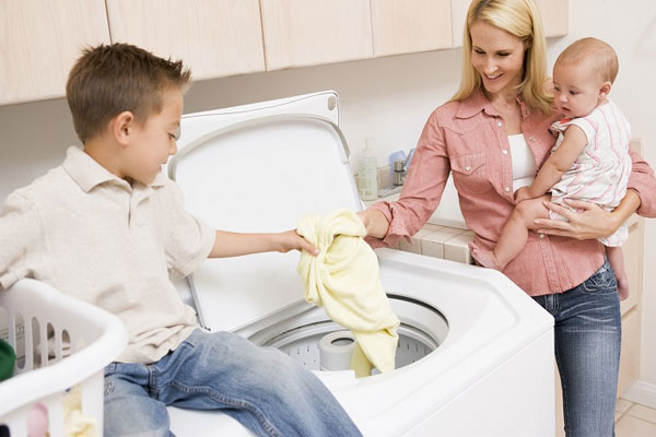 Nếu gia đình có từ 4 đến 6 người hoặc gia đình trẻ có con nhỏ, lựa chọn loại máy giặt từ 8 kg đến 9 kg là phù hợp