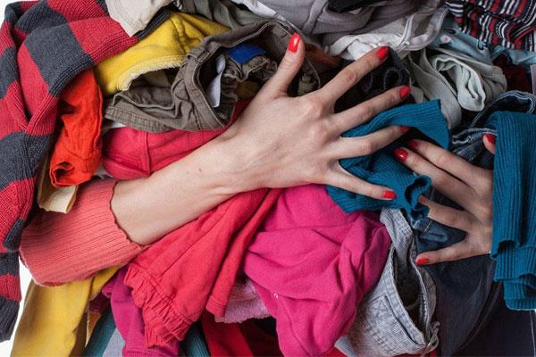 Việc ước tính quần áo bằng tay không mấy chính xác, bạn nên dành ít thời gian để tính toán quần áo theo bảng thống kể nhằm mang lại hiệu quả tối ưu cho giặt giũ