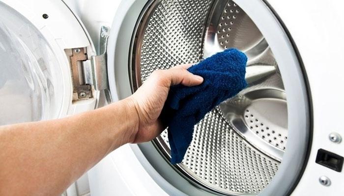 Làm sạch từ trong ra ngoài giúp máy giặt như mới