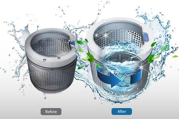 """Lồng giặt trên máy giặt Samsung sẽ được tự động làm sạch hiệu quả mà không cần bạn phải """"đụng tay đụng chân"""""""