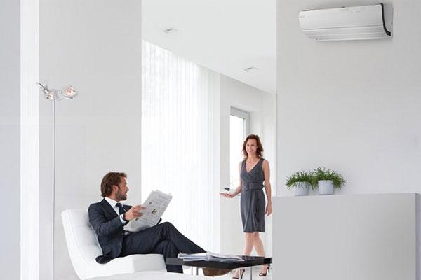 Không khí nóng từ máy lạnh 2 chiều sẽ được lan tỏa khắp mọi ngóc ngách trong phòng thay vì thổi trực tiếp vào người dùng